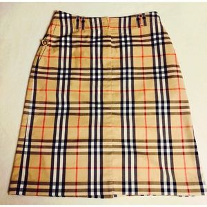 Burberry Nova Check plaid pencil skirt